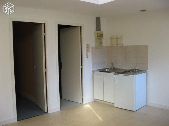Mezzanine + chambre - chauffage, kitchenette, pas de fenêtre dans la chambre ?  Angers Madeleine,proche UCO ESA, T2 coloc possible