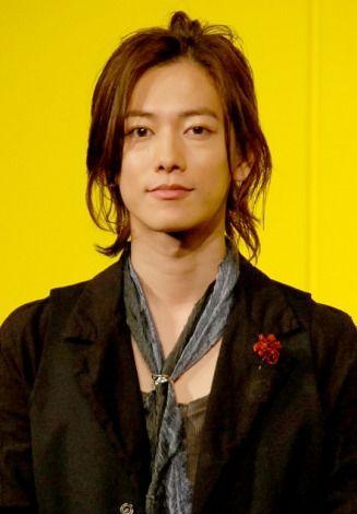 ワンカールスタイルの佐藤健の髪型