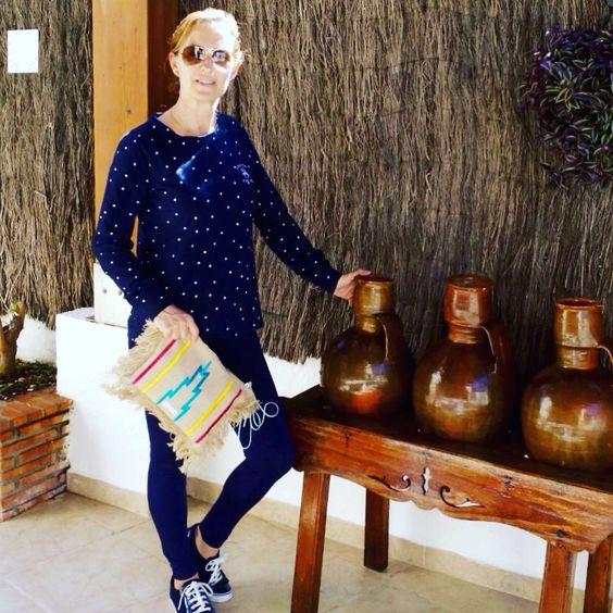 @julia_flres nos da los buenos días con su nuevo Clutch #bohochic Claria @carinavalentina ⬇️ http://bit.ly/1V729qV #firmadebolsos #bolsodemano #bolsosdelujo #Carteradano #clutch #bohochic #primavera #newcolletion #luxury #lujo #elegant #mujer #style #modafemenina #primavera #bolsosmoda #valencia #madeinspain #coloresfofi #handmade #carinavalentina