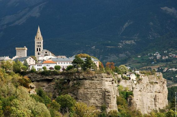 Embrun, Hautes-Alpes