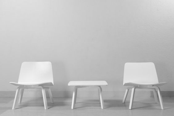 Artek |Lento side table and lounge chairs | ph. Tuomas Uusheimo