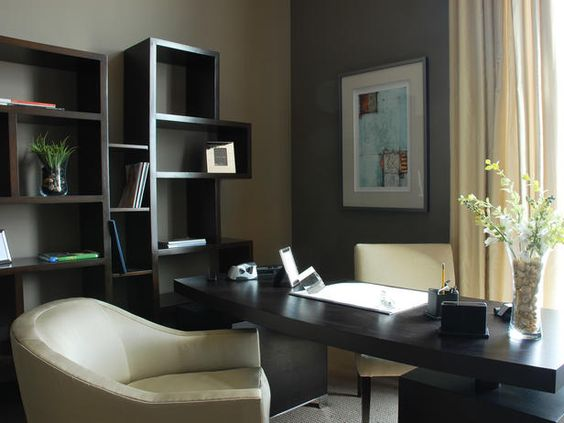 Love the desk/window positioning and the accent wall color