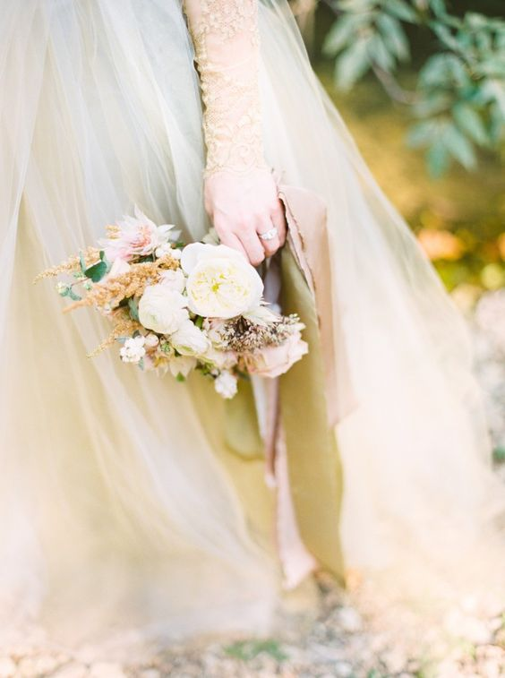 gold wedding tones: garden roses & silk ribbon