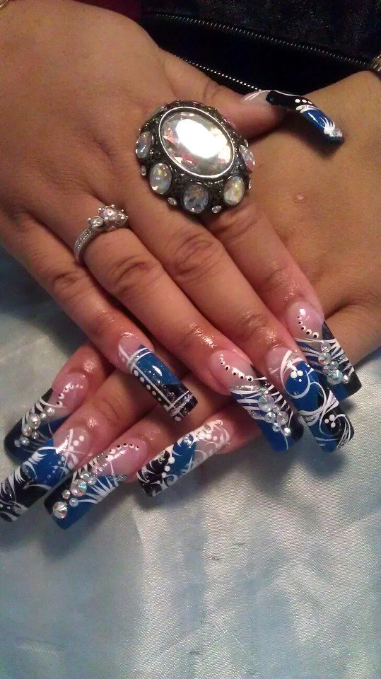lange nagels @Sarah Chintomby hill Beauty Care
