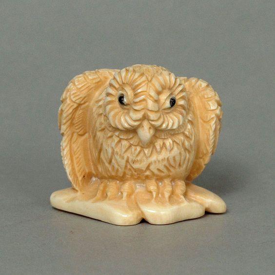 Antique Japanese Netsuke Standing Owl Carving N4655