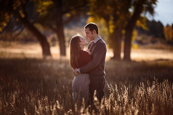 autumn-engagement-photos