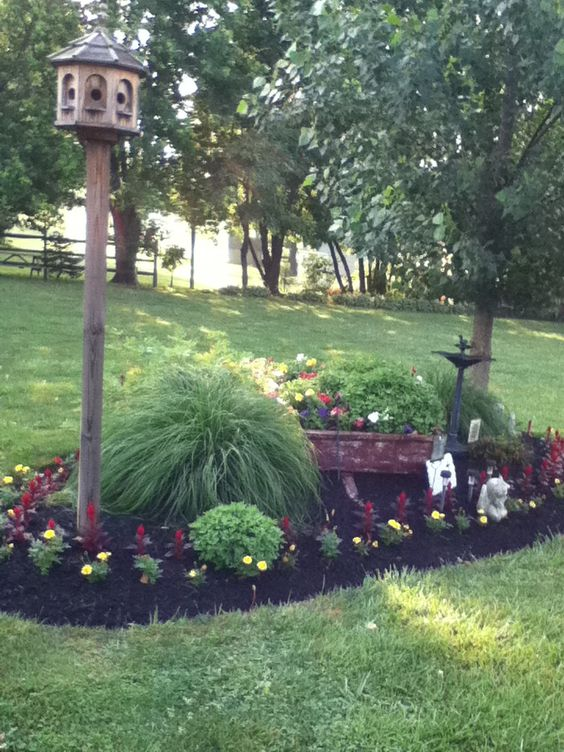 Yards front yards and nice on pinterest for Nice front yard landscaping