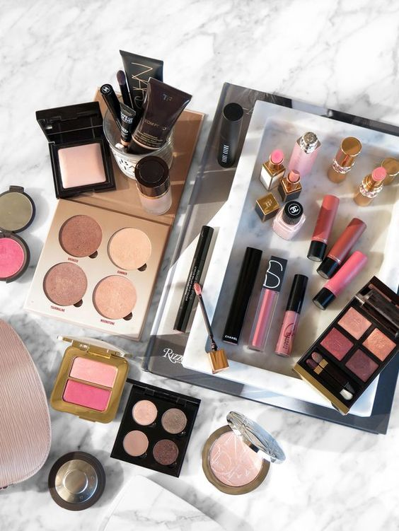 I can hardly believe another year has flown by! Thank you to each and every one of you who followed me along on my beauty journey this past year. Today I have a round up… The post Best Beauty Discover