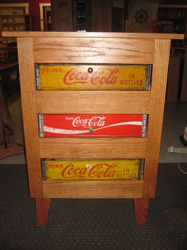 Coca cola crates and rustic cabinets on pinterest for Wooden soda crate ideas