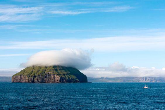 Landschaft auf den Färöer-Inseln, Dänemark