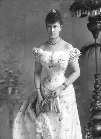 single women in langtry This pin was discovered by camille langtry discover  six of the country's most blueblooded young women, all single, beautiful and, like the queen,.