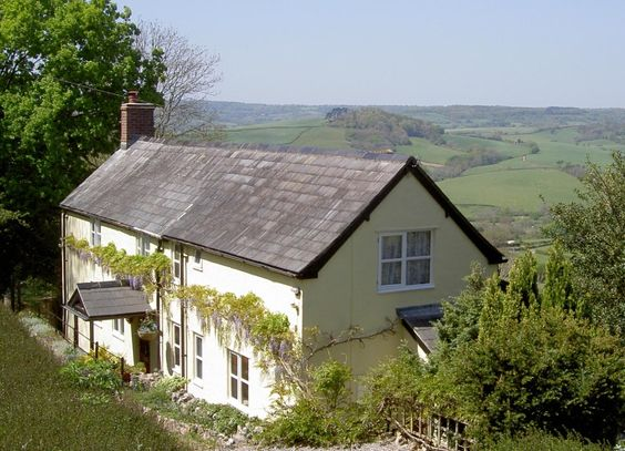 Wisteria Cottage, Marcombelake, Bridport, Dorset, UK, England. Bed and Breakfast. Travel. Accommodation. Staycation. #AroundAboutBritain. Hot Tub. Golf Nearby.