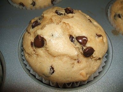 {Kaitlin in the Kitchen}: Peanut Butter Chocolate Chip Muffins