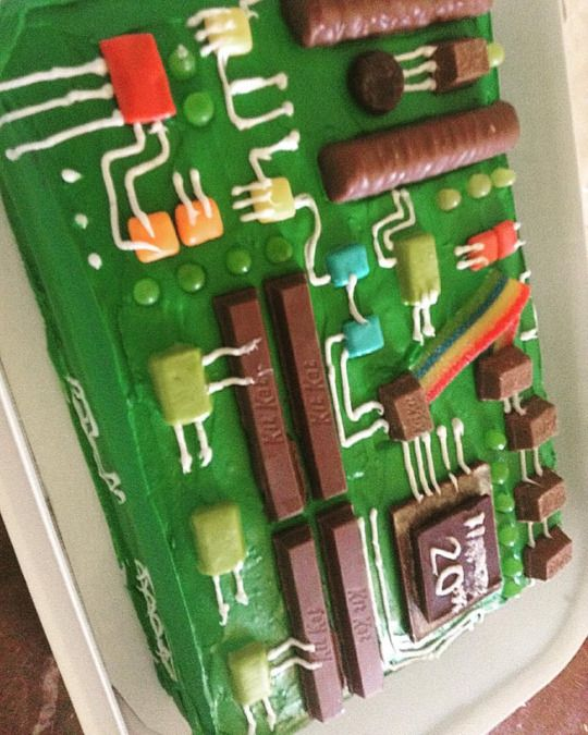 BIRTHDAY CAKE FOR AN ELECTRONIC ENGINEER