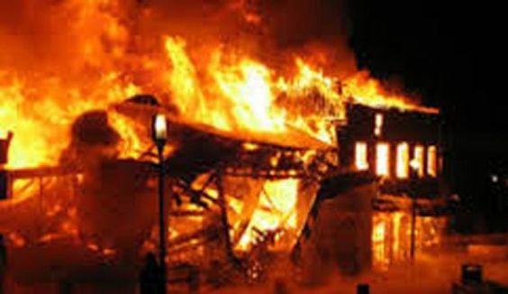 Sauvé des flammes par un garçon décédé A8992ac177603935f9447c044f7b48ee