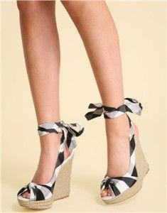 #Gingham wedge sandals <3