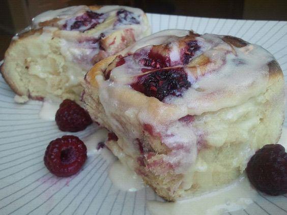 Raspberry Rolls with Lemon Vanilla Icing!  Yum!  A delicious twist on cinnamon rolls!