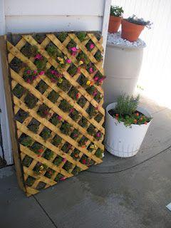Working House Mom, Wife: Vertical Pallet Flower Garden