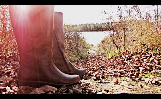 It was a beautiful day for a photoshoot. The Viento Boots by Naot were the perfect model. Weborg Point was the perfect place. #naotsaroundthecounty #doorcountybeauty #shopwhatnext