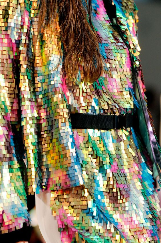 A dress that looks like it was made of glittery lilliputian post-it notes? SCORE!