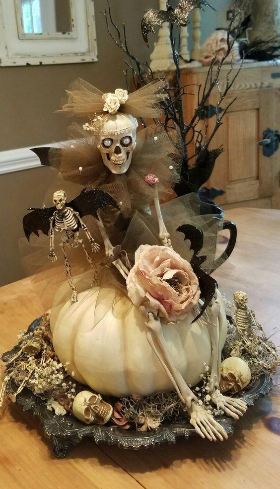Pumpkinspolka Decorations Decoration Halloween Skeletons In 2020 Halloween Deko Halloween Baume Halloween Deko Garten