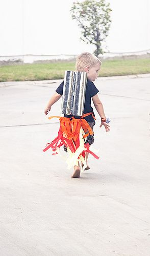 DIY Jetpack! Too bad we didn't have this in time for our rocket parties @Joy Armstrong!