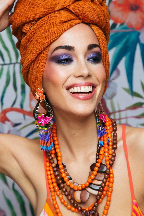 Model: Angela Gonzalez @2mmodel Photographer: Isabella Fresia #isabellafresia Makeup Artist: Stefania Mercuri #StefaniaMercuri Set Assistant: Sebastian Kamilaris #SebastianKamilaris #tropical #colors #makeup #purplemakeup #tropicaleditorial