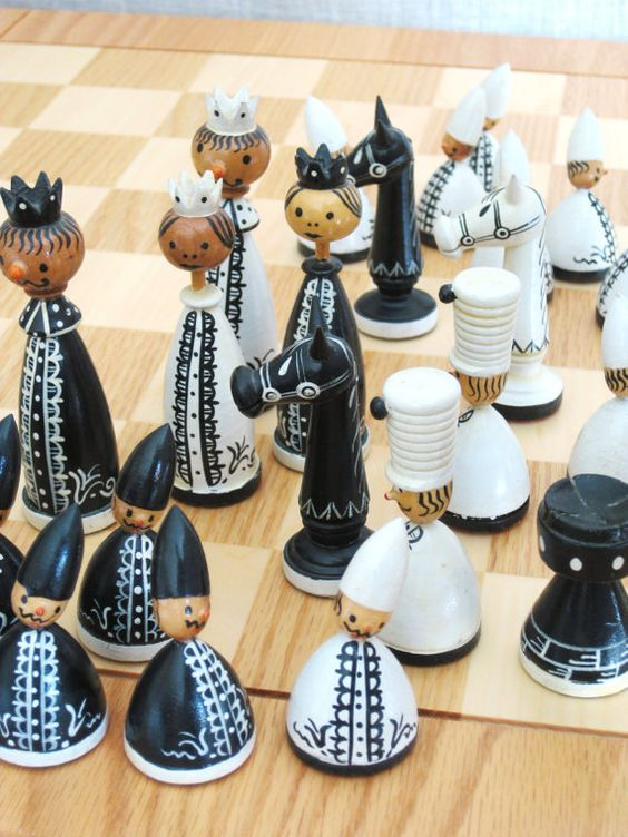 Vintage Erzgebirge Chess Set / Wooden Chess Set / by wilshepherd
