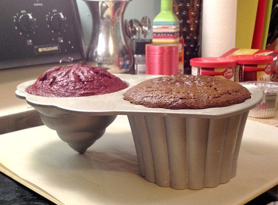 Using the Giant Cupcake Pan With Boxed Cake Mix on Jen Darling
