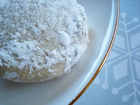 At the Baker's Bench: 12 Cookies of Christmas: Day 7 ~ Pastelitos de Boda (Bride's Cookies)