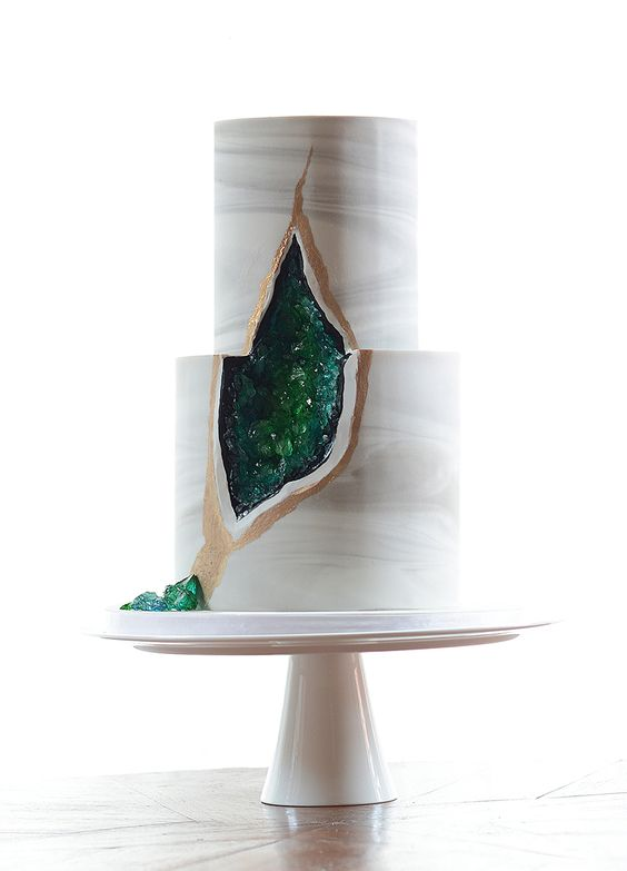 Sugar geodes and quartz green and gold tiered wedding cake // Top 10 Wedding Cake Creators in Malaysia - Part 2: