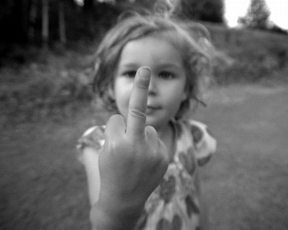 kids_giving_finger_04.jpg (600×480)