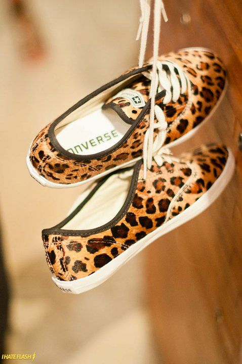 leopard converse... Yes, please