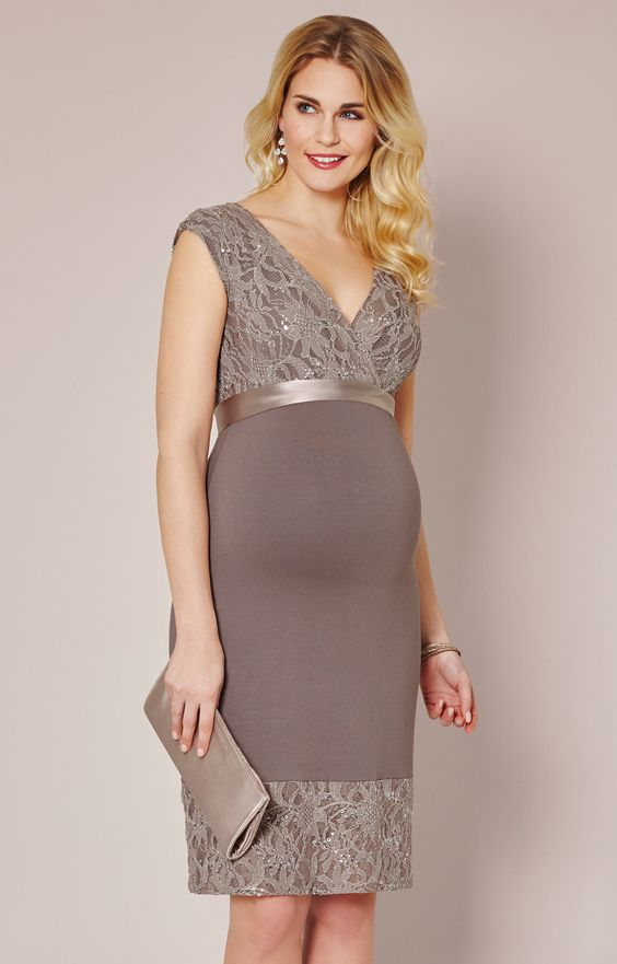 Soft, simple yet striking, our Twilight Lace maternity dress in a delicious shade of Mocha, oozes glamour for a special daytime or evening occasion.