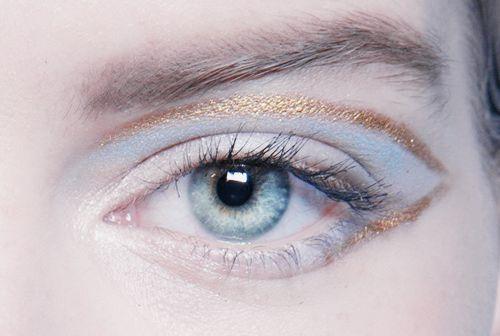 Eye makeup at Armani Privé Spring 2015 Couture.