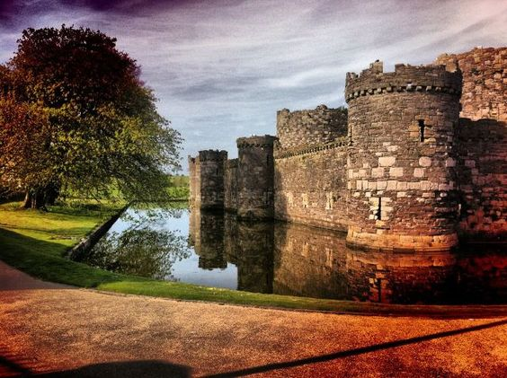Beaumaris Castle, located in the town of the same name on the Isle of Anglesey in Wales, was built as part of Edward I's campaign to conquer the north of Wales after 1282.: Favorite Places Spaces, Structures Castles, Amazing Structures, Astounding Places, Wales, Beautiful Uk, 10 Beaumaris, Family Castles