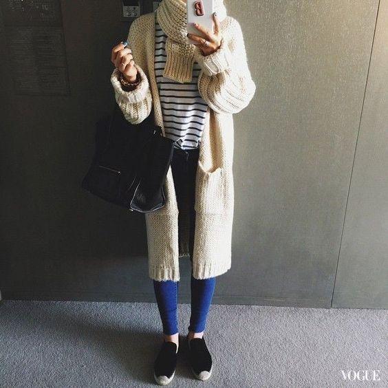 衣櫃裡都該有的經典單品,韓潮人街頭示範「條紋穿搭」。