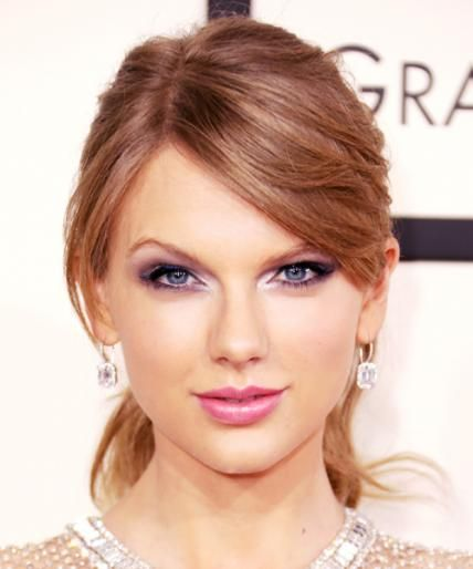 Most Memorable Beauty Moments at the Grammys - Taylor Swift, 2014 from #InStyle