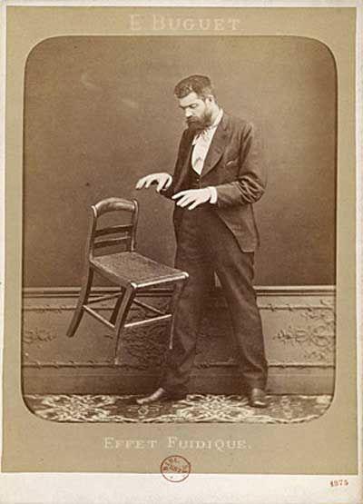 lewitacja krzesła