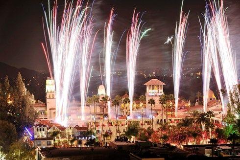 Thanksgiving 2020 Los Angeles In 2020 Holiday Lights Display Riverside Festival Of Lights Holiday Lights