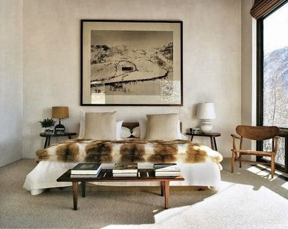 Tuananh-Ekes-modern-white-bedroom-with-heavy-silver-window - mondo paolo schlafzimmer