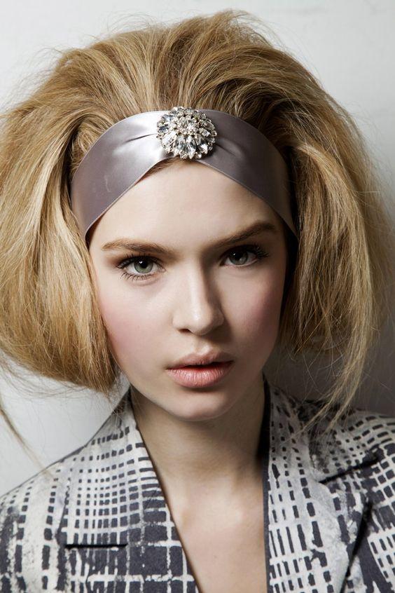 Pin for Later: Oscar de la Renta Knew How to Bring Out a Woman's True Beauty Oscar de la Renta Fall 2012