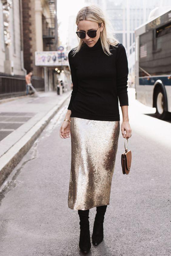 outfits casuales con faldas doradas