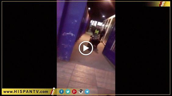Video: Policía española tira al suelo a una mujer en silla de ruedas