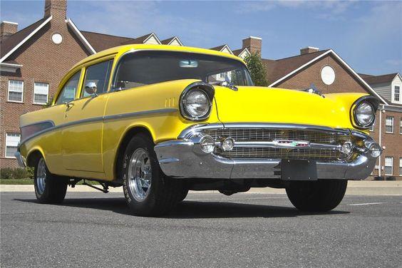 1957 CHEVROLET 210 CUSTOM 2 DOOR SEDAN - 97879