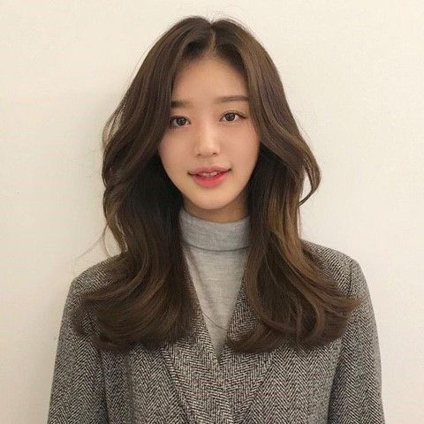 2019 Women 39 S Medium Hair Style Build Build Firm Build Firm Hair Koreanhairstyles Medium Hair Styles Hair Styles Long Hair Styles