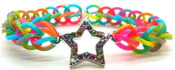 rubber band bracelet with a star