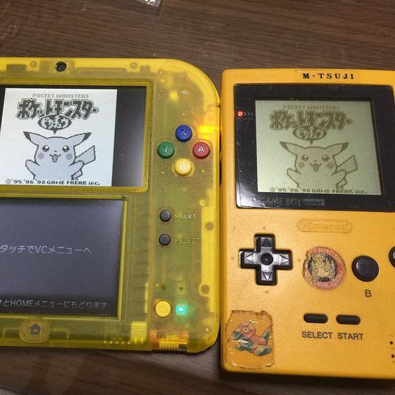 Shared by yuichiro1020 #gameboy #microhobbit (o) http://ift.tt/1oYJnoP なつかしいーw カセットをふーってやらななかなか電源つかへんかった(Д) #ゲームボーイポケット #ピカチュウバージョン #バーチャルコンソール #2DS #GAMEBOY #nintendo #カセットをフー #ポケモン #pocketmonsters #ポケモン