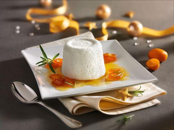 Joghurt-Rosmarin-Mousse mit Kumquatsoße