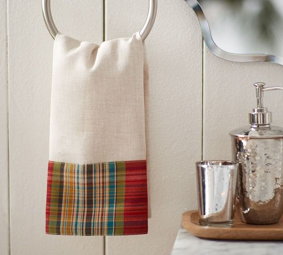 Plaid hand towel